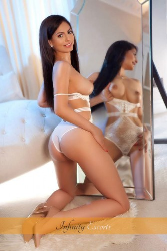 London Escort Aimee image 5
