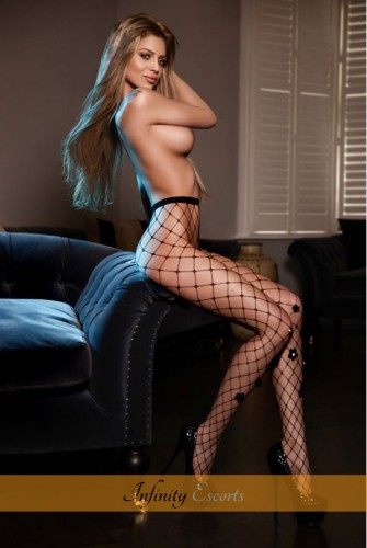 London Escort Alexia image 5