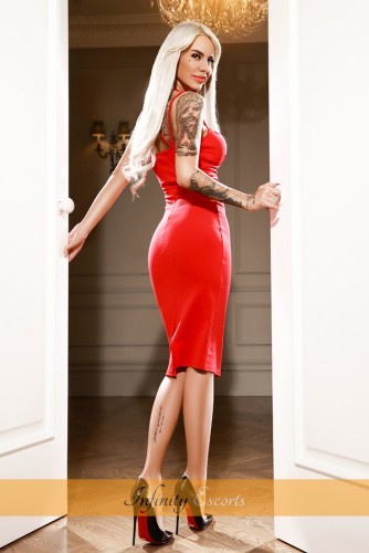 London Escort Alice image 8
