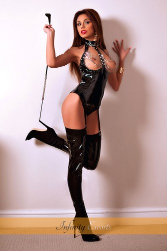 London Escort Aurelia image 6
