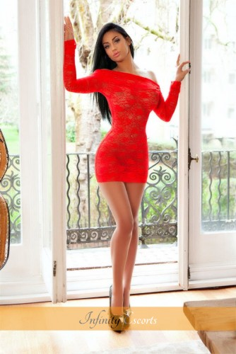 London Escort Aysha image 9