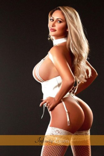 London Escort Coco image 4