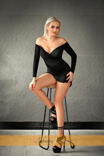 London Escort Davina image 1