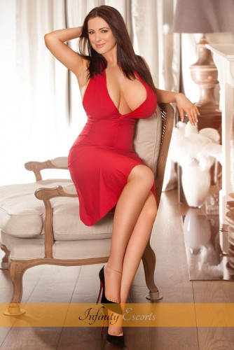 London Escort Fabiana image 2