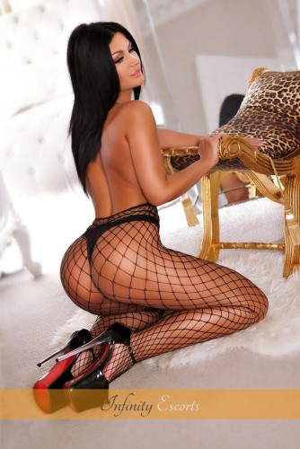 London Escort Wendy image 7