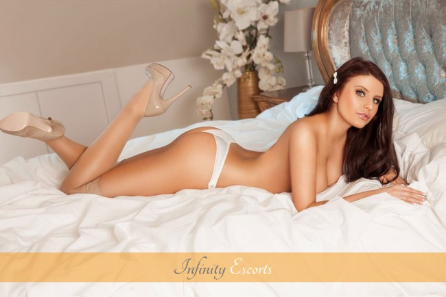 London Escort Izabela image 7