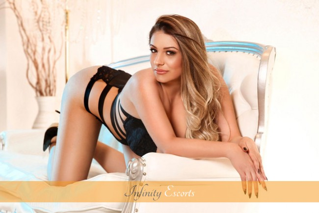 London Escort Maxim image 9