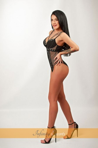 London Escort Maddison image 6