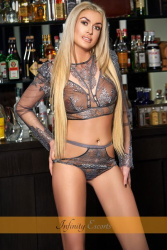 London Escort Paloma image 9