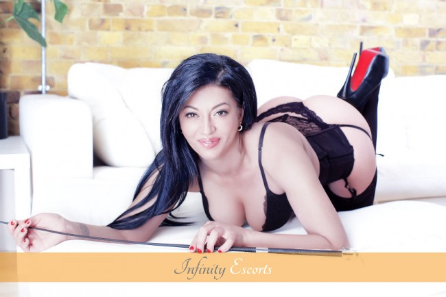 London Escort Toni image 1