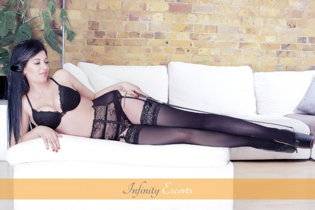 London Escort Toni image 5