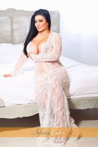 London Escort Toya image 1