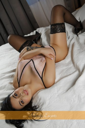 London Escort Cybelle image 4