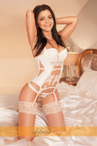 London Escort Wendy image 4
