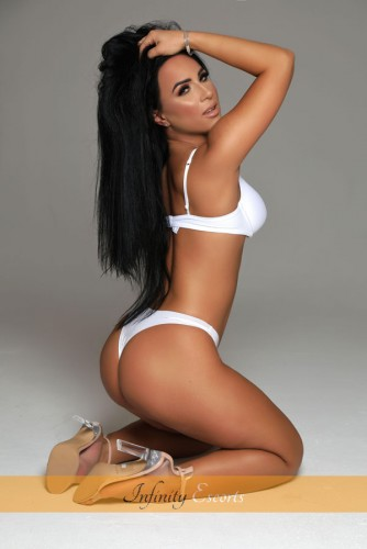 London Escort Zenaida image 2